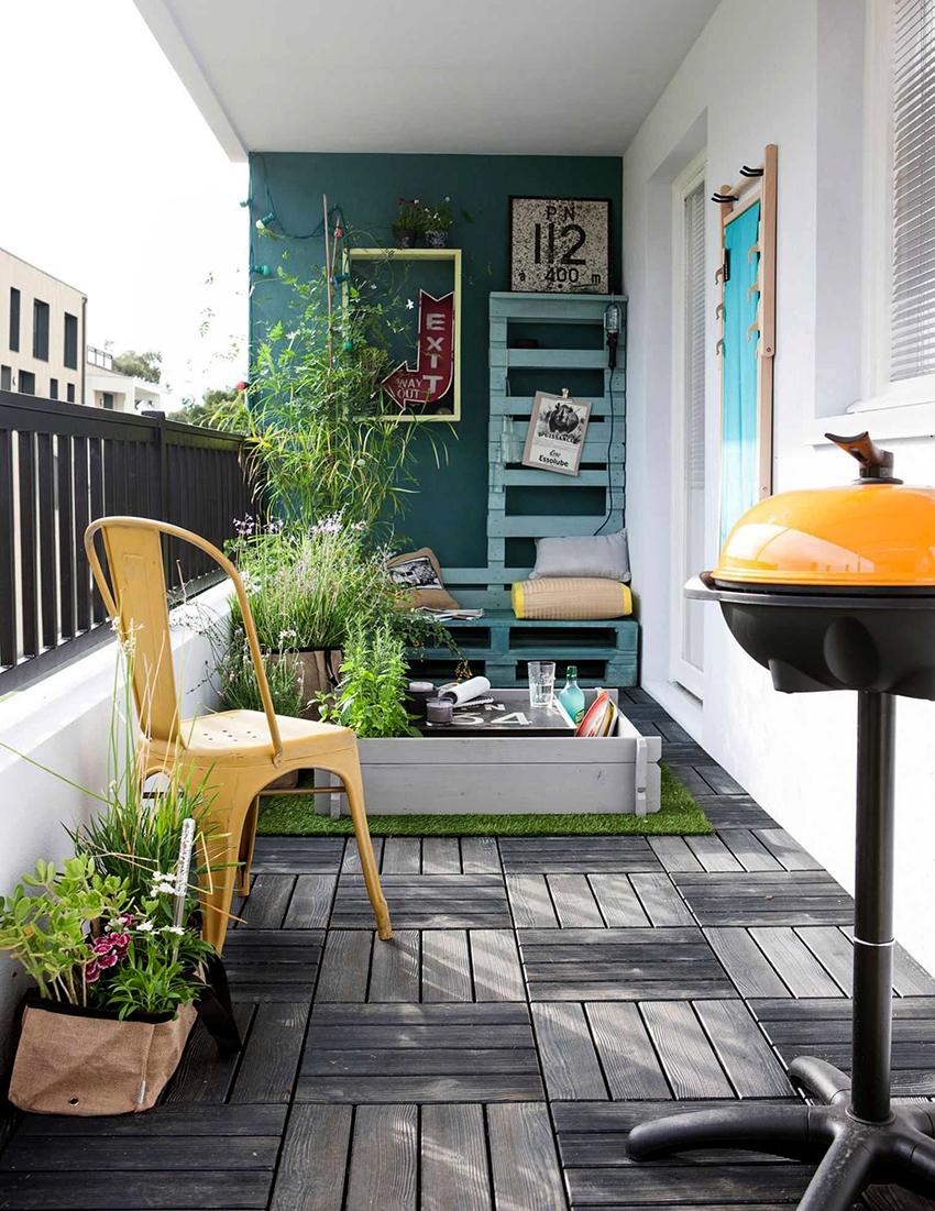 Балкон или лоджию можно декорировать по своему вкусу с помощью интересных аксессуаров
