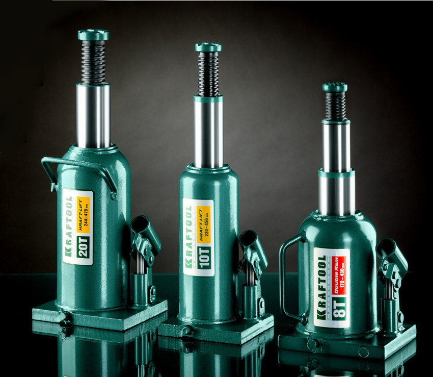 Самодельный пресс чаще всего изготавливается из гидравлического домкрата бутылочного типа