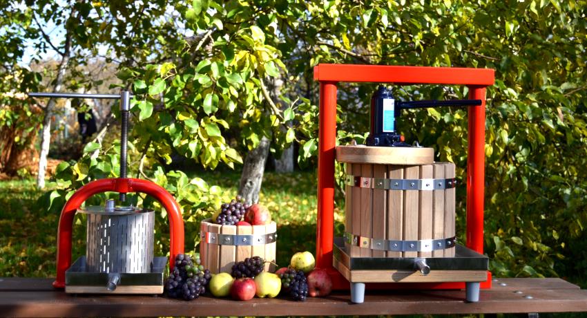 Гидравлический пресс также применяется для выдавливания сока из фруктов