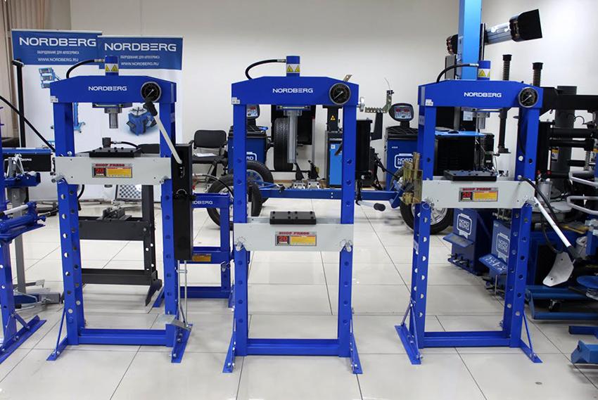 Ручные гидравлические прессы: особенности высокоэффективных приспособлений