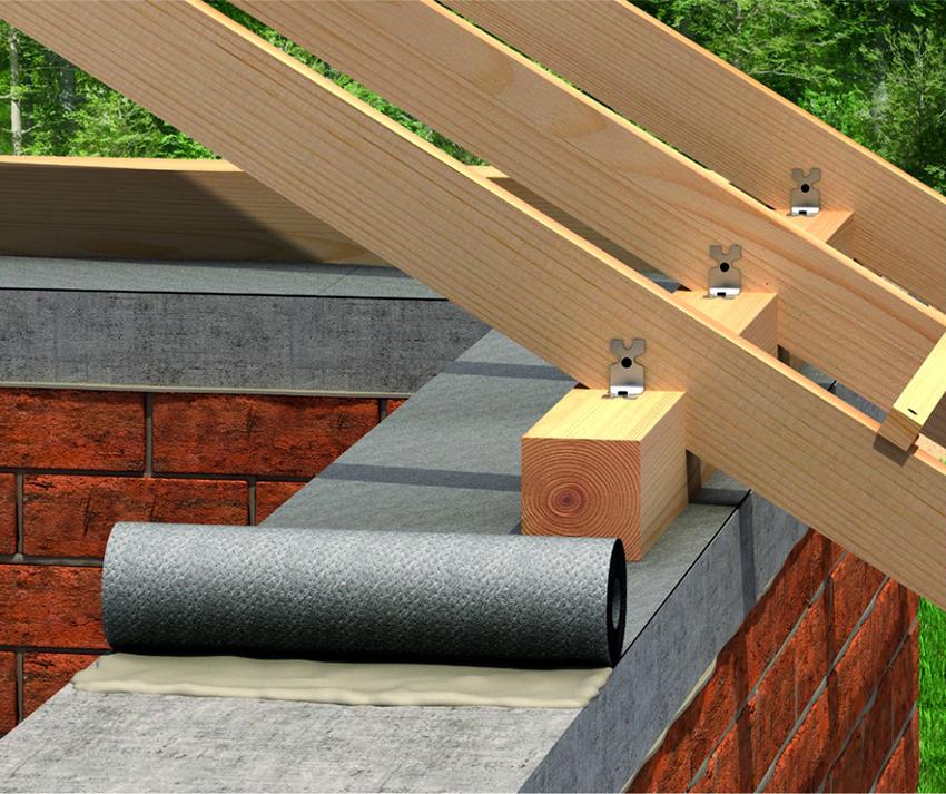 Для обустройства крыши деревянные балки располагаются над верхней обвязкой стен