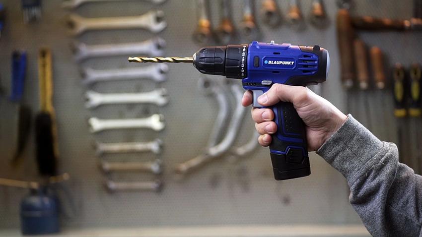 Blaupunkt BPPT-001 оснащен литий-ионной батареей, имеет небольшой вес и мощность 10,8 В