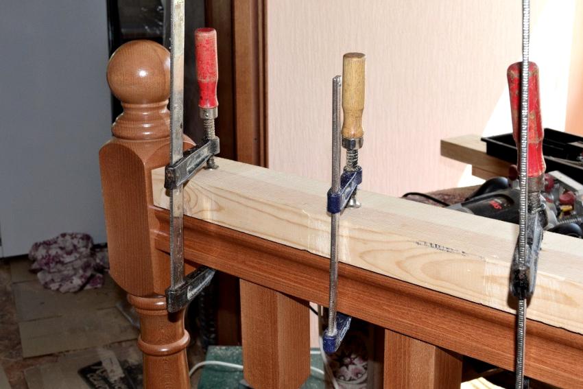 Процесс изготовления перил для лестницы в частном доме является длительным и кропотливым
