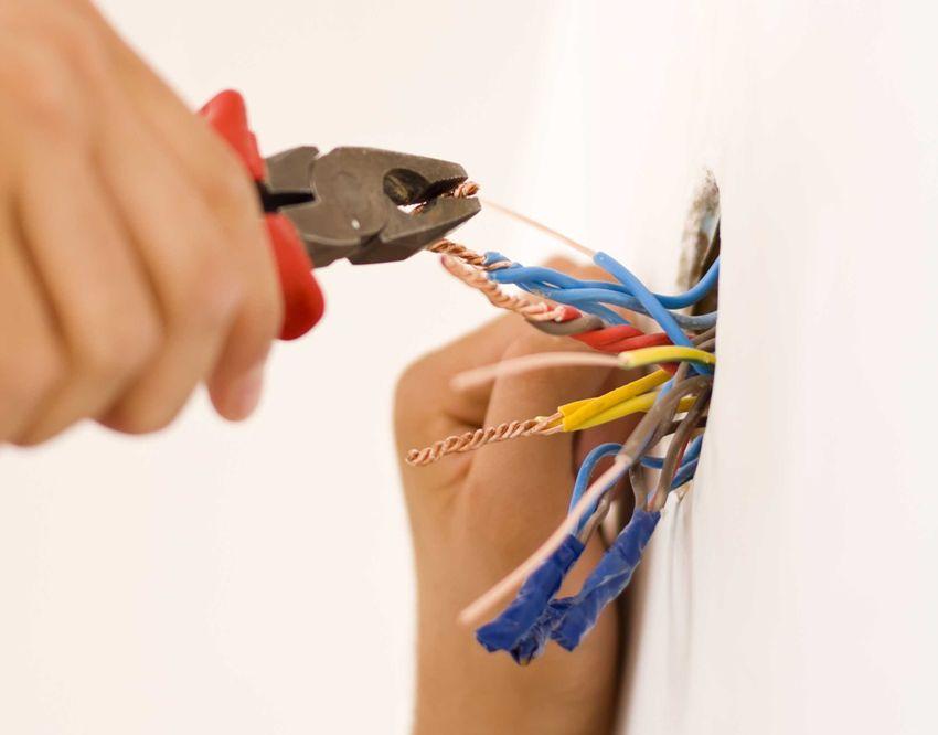 Очень важно проверить перед подключением ПММ, чтобы электропроводка была в нормальном техническом состоянии