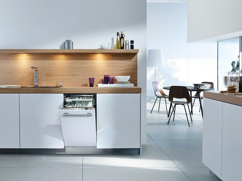 Установка маленьких посудомоек мало отличается от подключения стандартных моделей