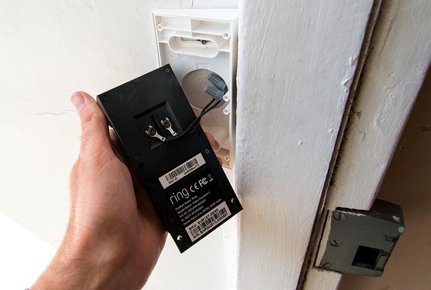 Звонок на дверь можно подключить через трансформатор или без него