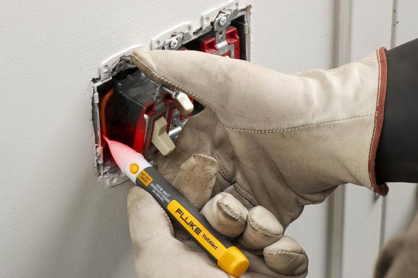 Как пользоваться индикаторной отверткой: основные действия и безопасность