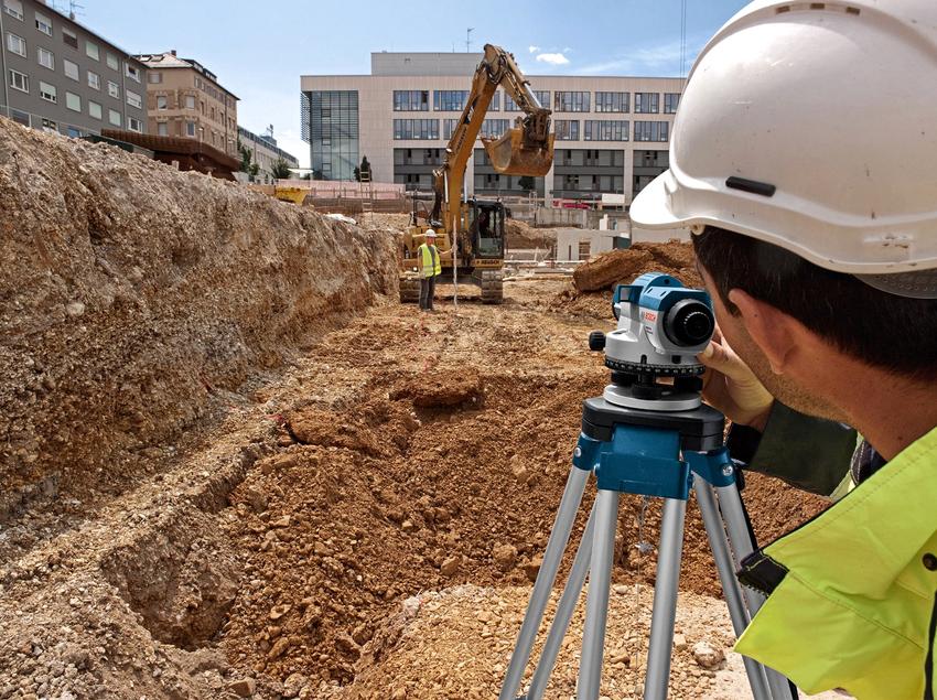 Нивелиры используют не только для строительства зданий, но и во время работ по внутренней отделке помещений