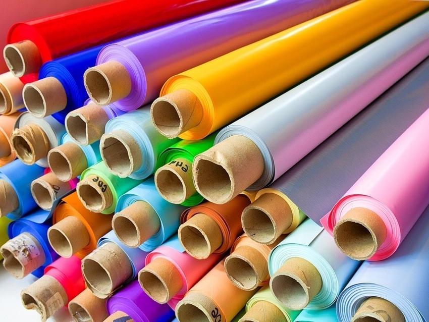 Полотна для потолков имеют разные технические характеристики и эксплуатационные свойства
