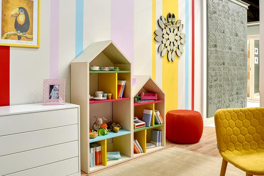 Выбирая стеллаж для книг в детскую, необходимо обратить внимание на материал, прочность и устойчивость конструкции