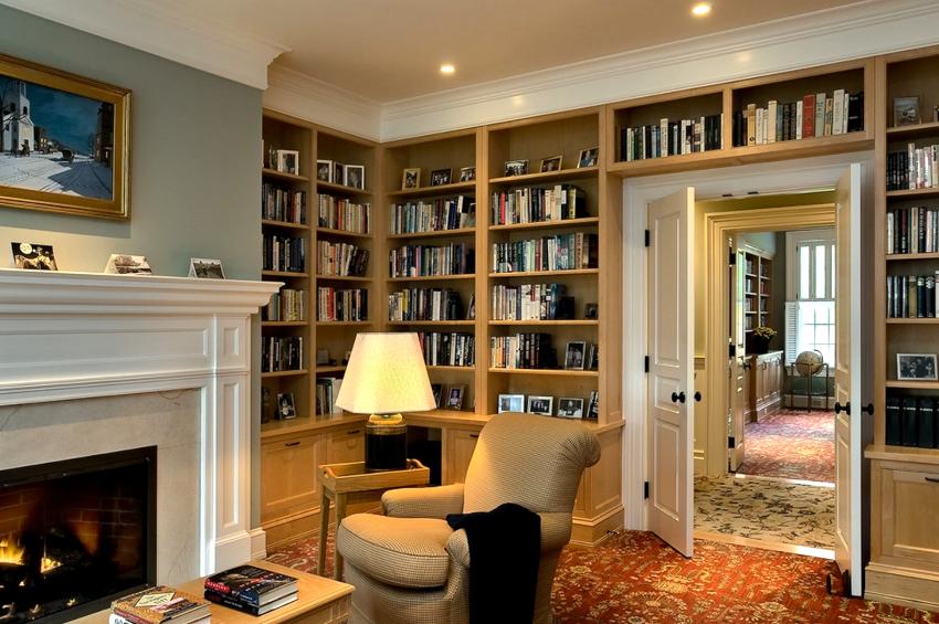 Ширина полок должна соответствовать ширине книг и составлять не более чем 31,5 см