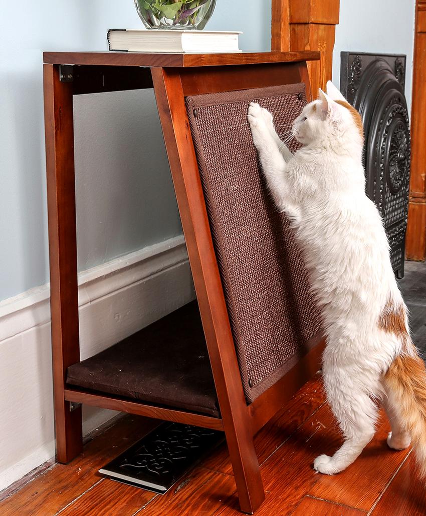 Вертикальную точилку можно закрепить на стене или мебели