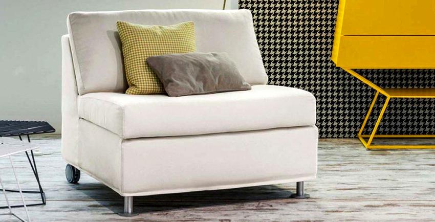Раскладные кресла могут иметь такие механизмы трансформации: «Дельфин», «Еврокнижка», «Клик-кляк», «Аккордеон»