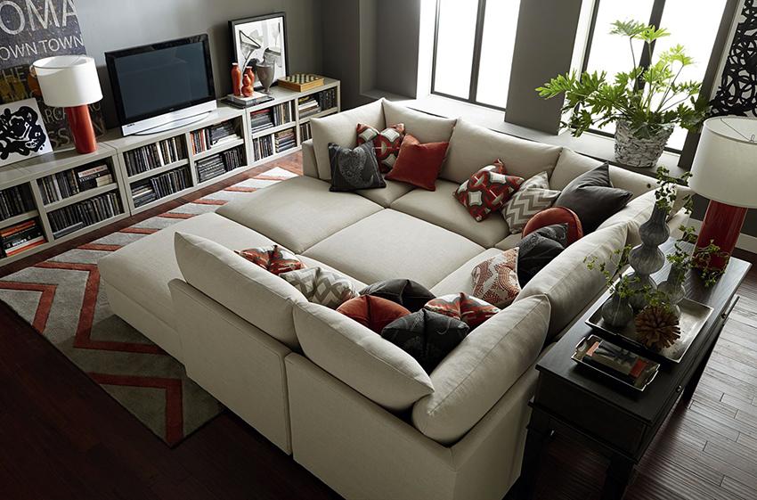 Особой популярностью пользуются диваны-модули со спальным местом