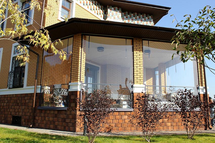 Гибкие окна защитят не только от холода, но и от насекомых