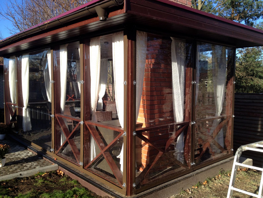 Покупать гибкие окна рекомендуется только у проверенных производителей