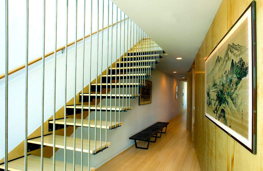 Самыми популярными материалами для изготовления перил являются металл, дерево, стекло и бетон