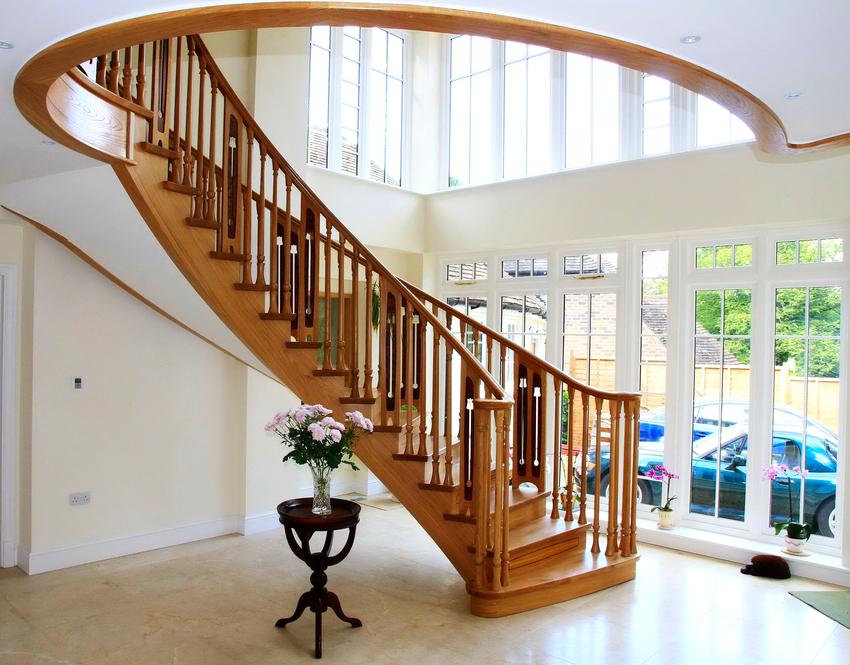 Величина стандартного сечения деревянной балясины составляет 45х45 мм