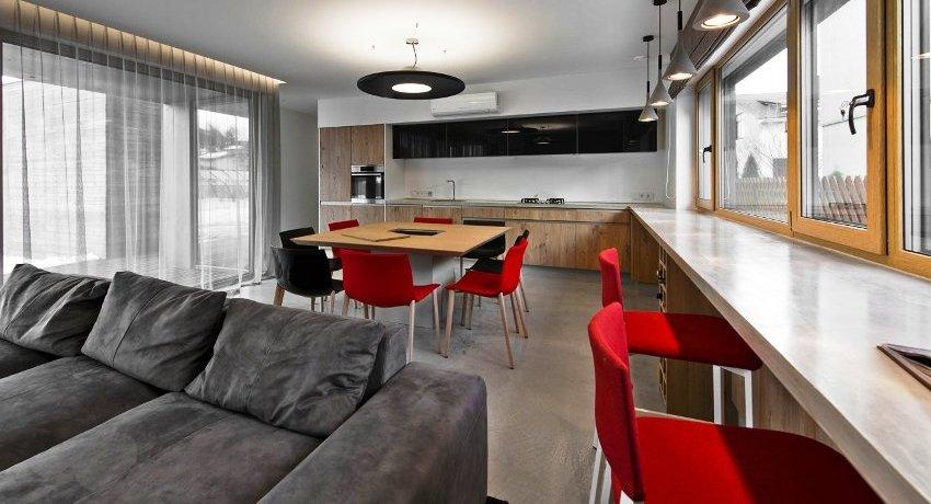 Подоконник-стол: современное решение для любого помещения
