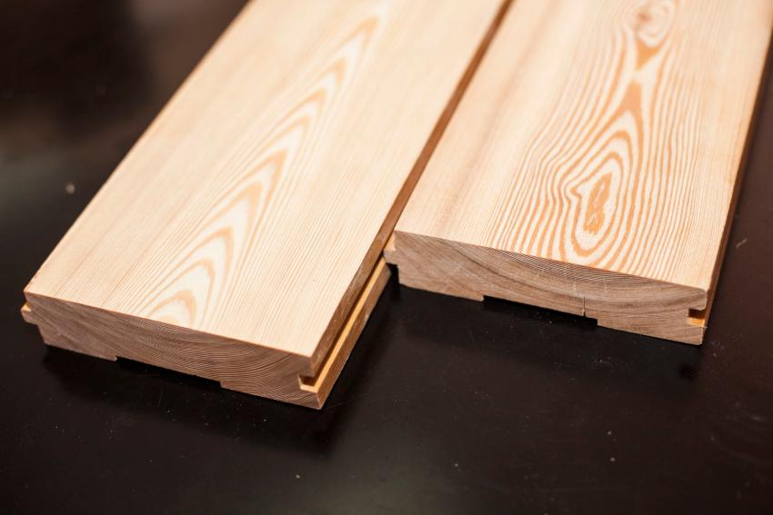 Половая доска может быть изготовлена из сосны, пихты, дуба, ольхи, кедра, липы и осины