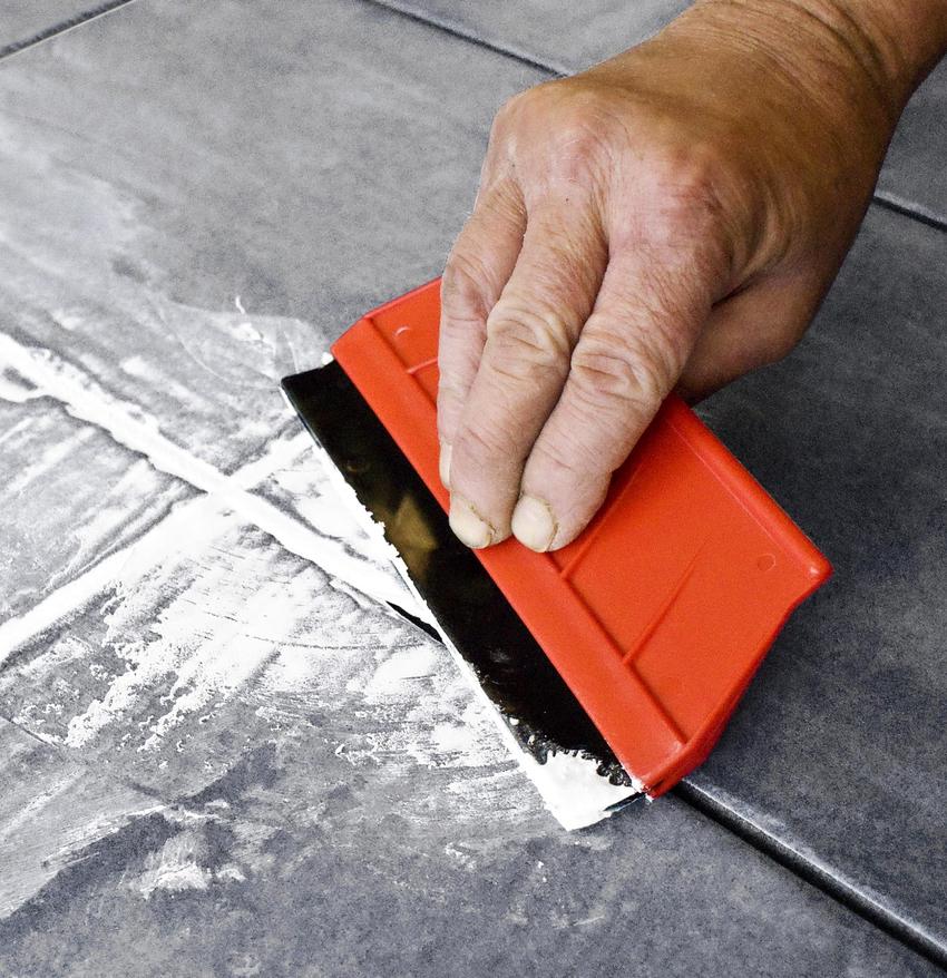 Затирочные шпатели применяются для заполнения шовных соединений как между плиткой, так и для заделки паркетных стыков