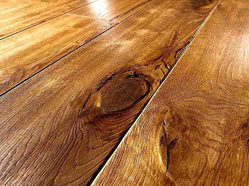 Для защиты деревянной столешницы можно использовать масло, лак или воск