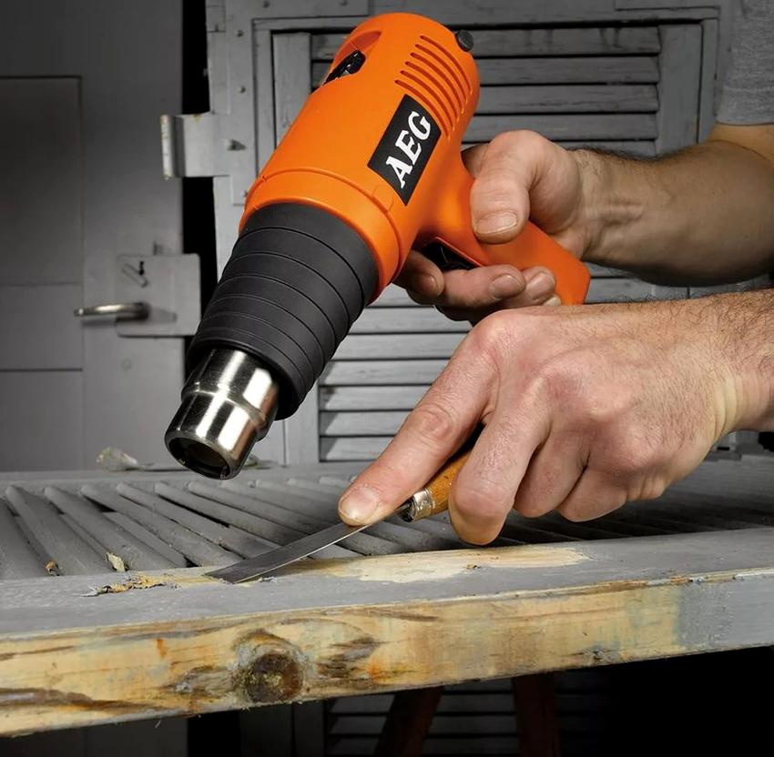 Модели профессиональных строительных фенов производятся из очень прочных материалов