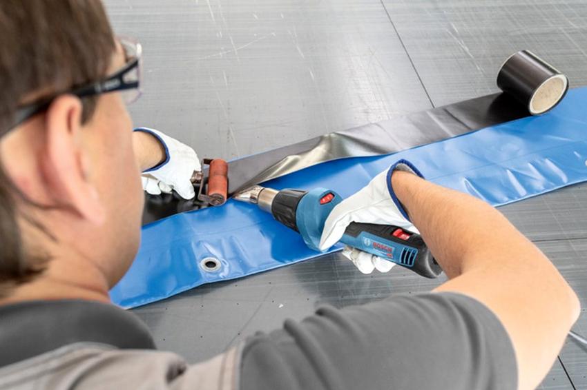 Кроме строительства, промышленные фены применяют в ремонте автомобилей, для создания пластиковых заготовок, при обустройстве водопроводных систем и т. д.
