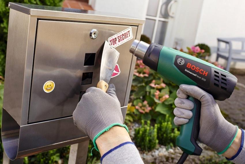 Огромной популярностью среди потребителей пользуется строительный фен Bosch PHG 600-3