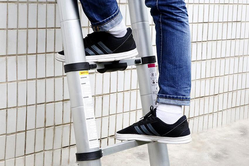 Лестницы и стремянки должны обладать достаточной жесткостью и прочностью