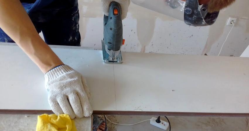 Установка пластикового подоконника: технология и необходимые инструменты