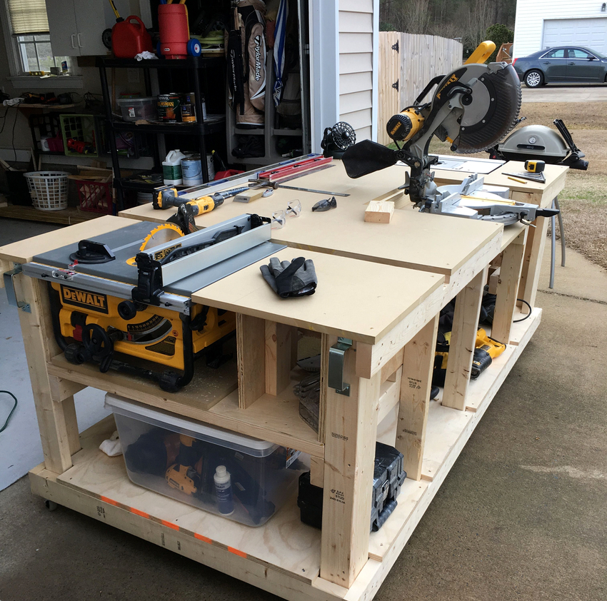 Пространство под столешницей можно использовать для хранения инструментов