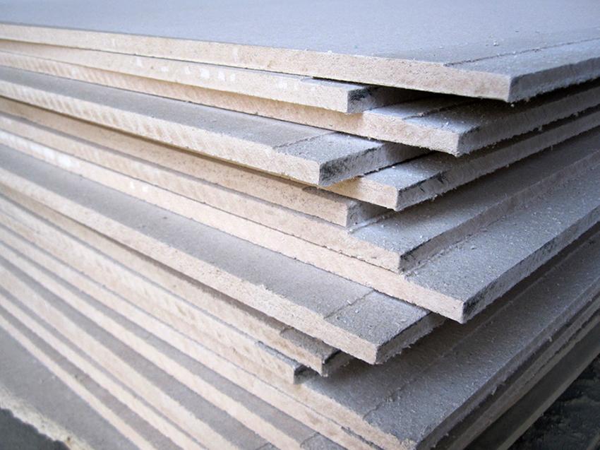 Для производства ГВЛ используется целлюлозное волокно и гипс