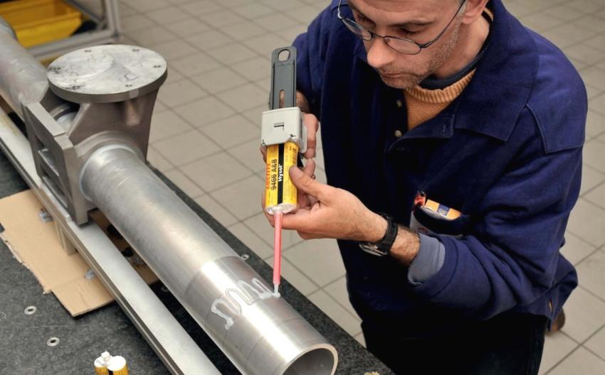 Рынок предлагает огромный ассортимент холодной сварки для алюминия
