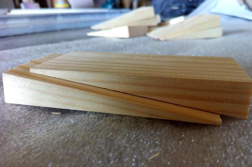 Чаще всего монтажные клинья применяют для выравнивание поверхностей