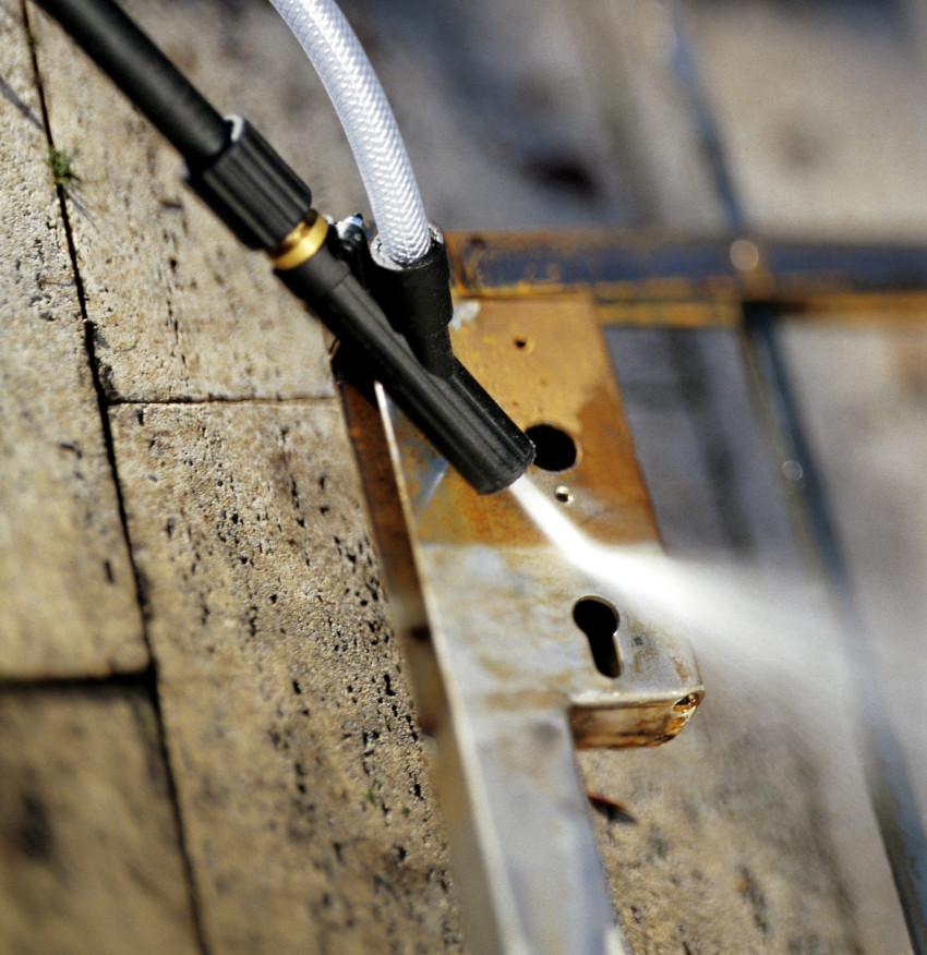 """С помощью пескоструя изготовленного из """"Керхера""""можно не только чистить поверхности, но и матировать стекла"""