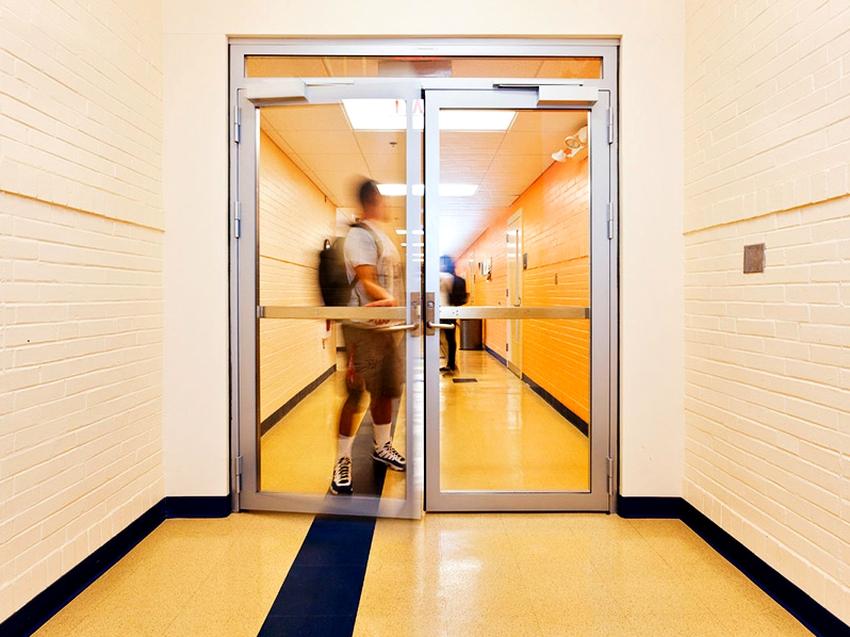 ГОСТ 53307 2009 содержит описание метода, с помощью которого испытывают дверь на порог огнестойкости