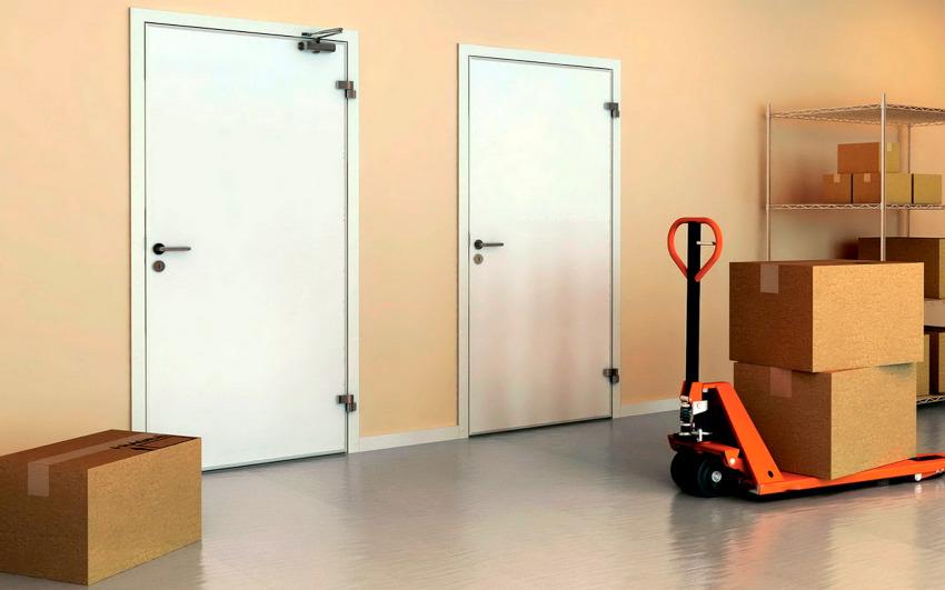 Еще на этапе выполнения проектной документации на строительство указывается тип дверей, которые следует устанавливать