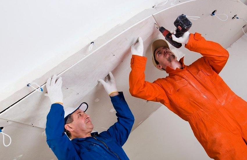 ГВЛ отлично подходит для создания многоуровневых потолков