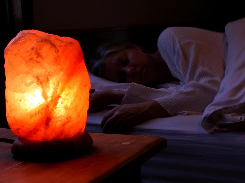 Лампы из соли оказывают лечебное влияние на органы дыхательной системы