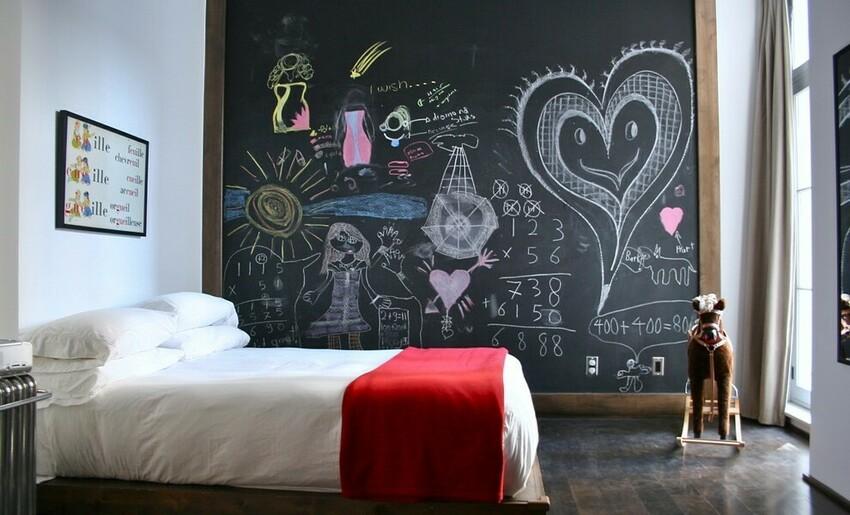 Самым популярным местом использования грифельной краски в интерьере является детская комната