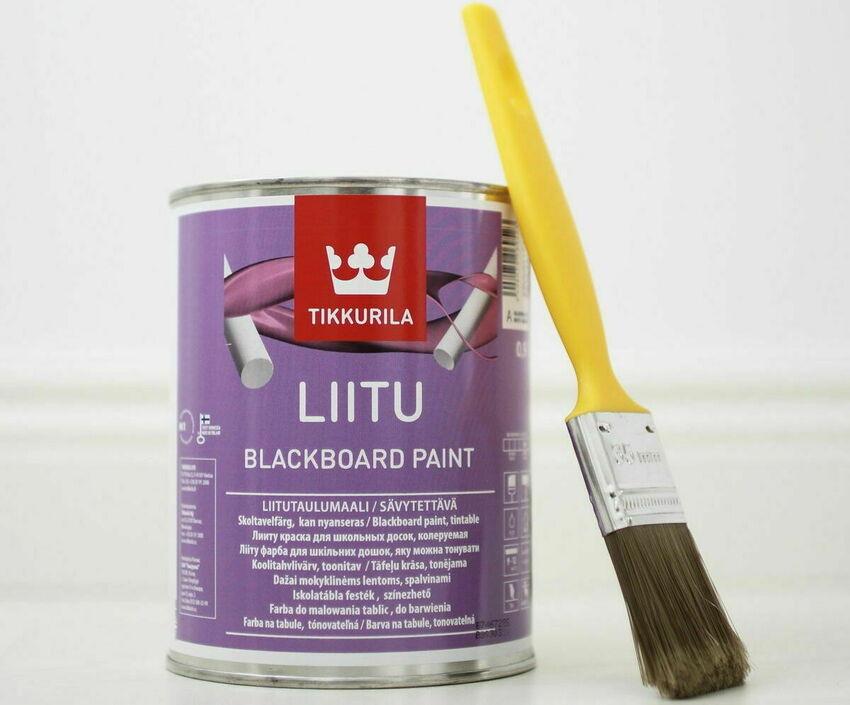 Производитель Tikkurila предлагает покупателям грифельную краску в чёрном и белом цветах