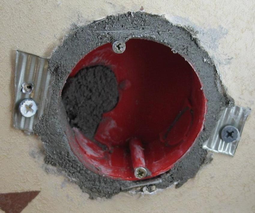 Диаметр стаканов для гипсокартонных стен может варьироваться в пределах 60-75 мм