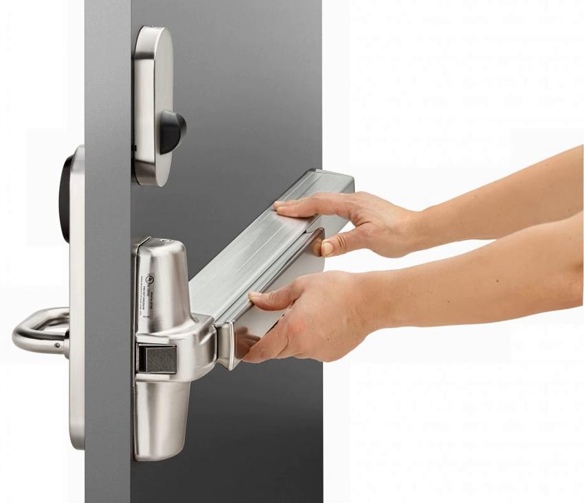 Система Антипаника позволяет быстро открыть дверь изнутри помещения, даже если она заперта снаружи на ключ