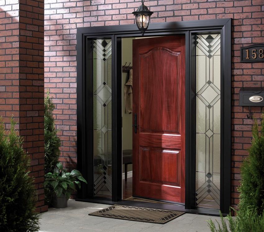 Наружная накладка на дверь монтируется со стороны улицы