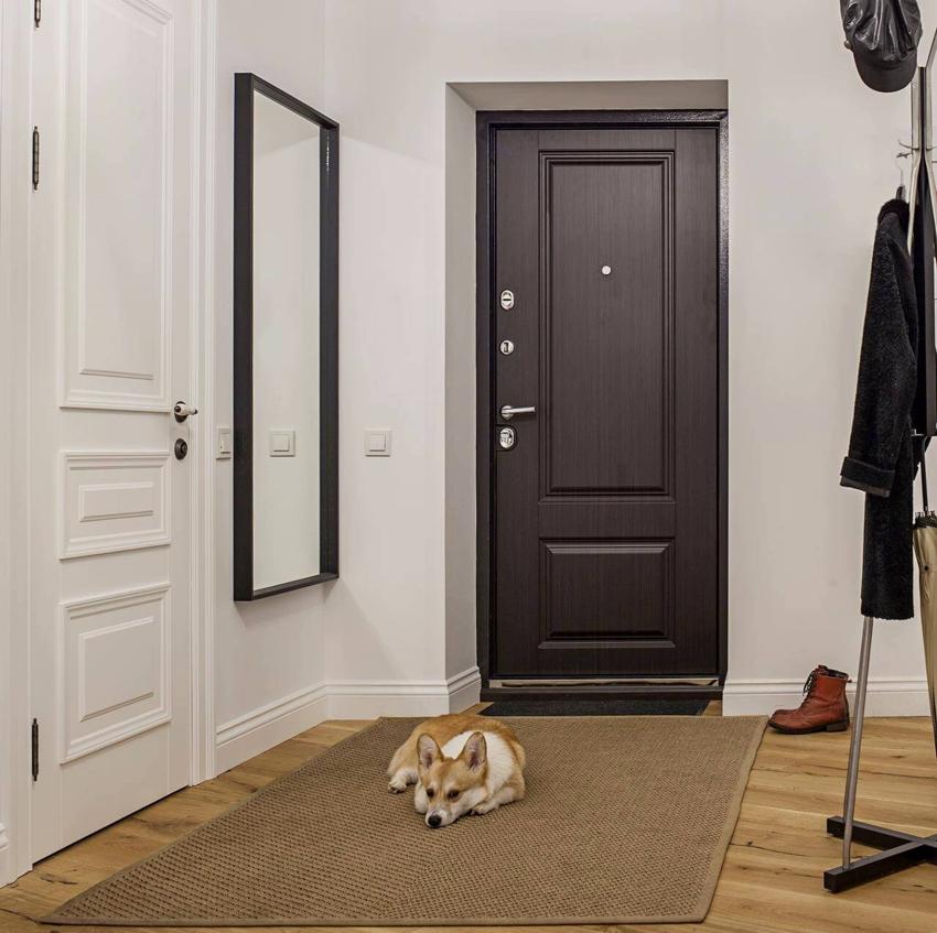 Накладку с основанием из фанеры лучше использовать для установки в квартире, а не доме