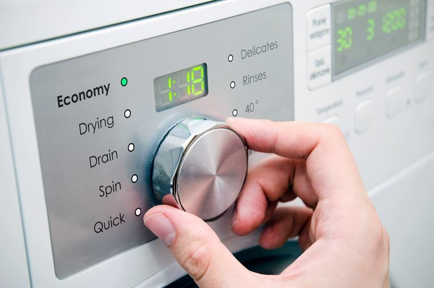 Многие модели стиральных машин имеют режимы экономии воды и электроэнергии