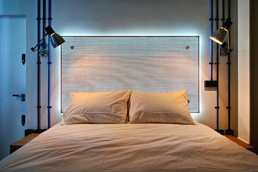 Поворотные плафоны удобны в использовании - направление потока света можно менять легким касанием руки