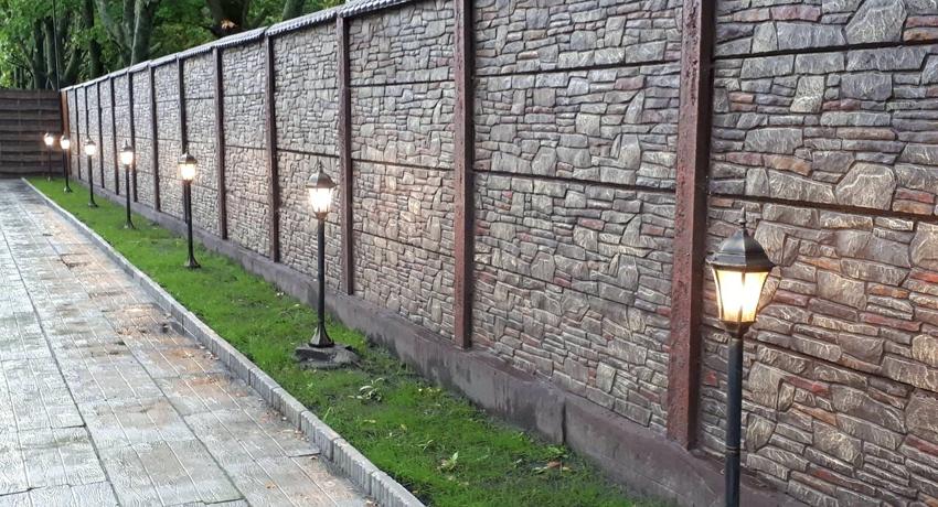 Бетонный секционный забор защитное и декоративное обрамление территории