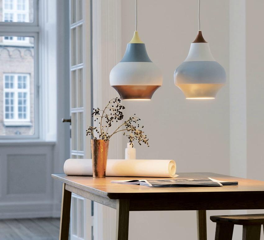 Красивые подвесные светильники будут гармонично смотреться на любой кухне